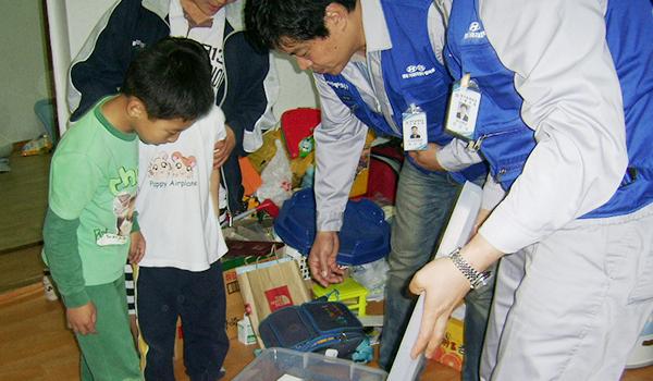 아동물품지원 - 일 년 내내 산타, 북동초등학교 물품 및 장학금 지원 이미지 2